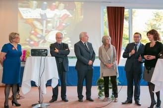 Monsieur Leturc Maire d'Arras se réjouit de la mise en valeur des créations de l'Arrageoise Sylvie Facon